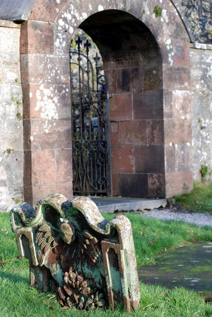 Entrance to the old kirk