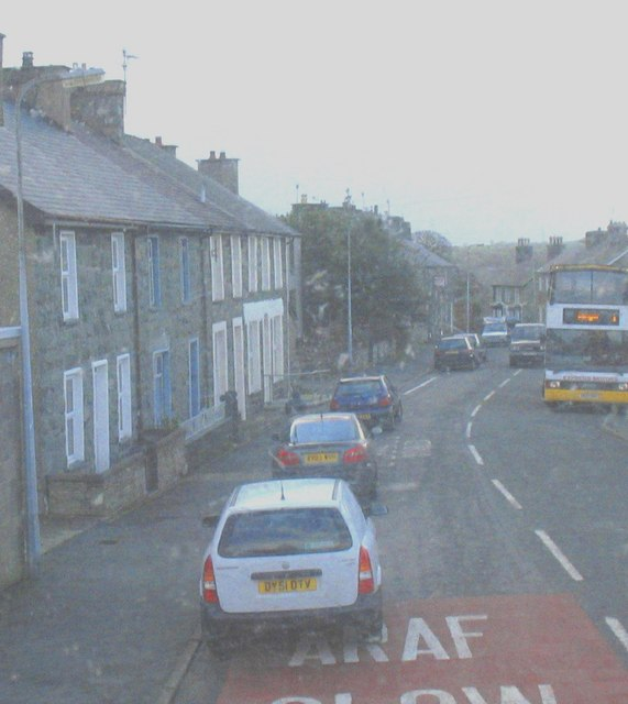 Road congestion in the centre of Garndolbenmaen