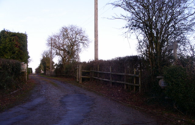 Waymark north from Broomhall lane