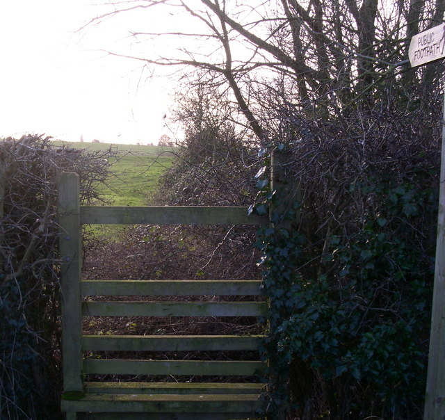 Footpath on the roman road south from Broomhall lane