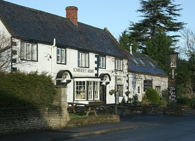 2008 : Somerset Arms, Semington