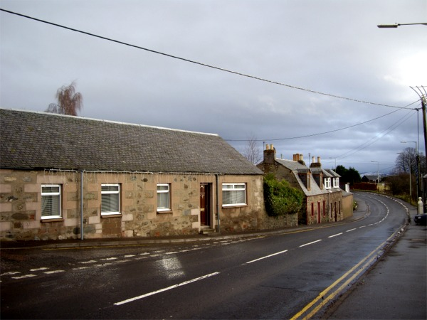 Cottages on A926 leaving Rattray
