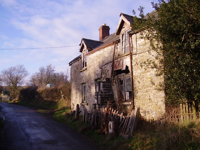 Traditional farmhouse (disused)