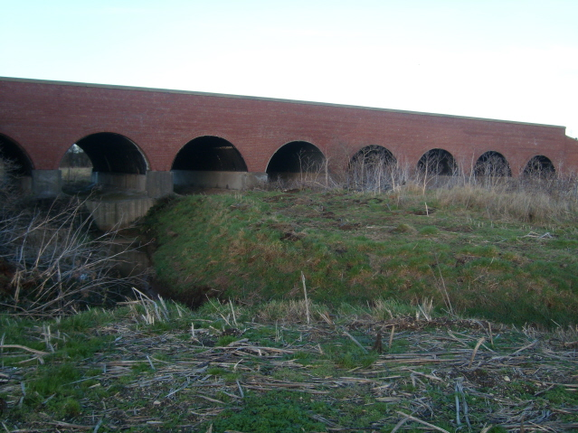 Flood arches
