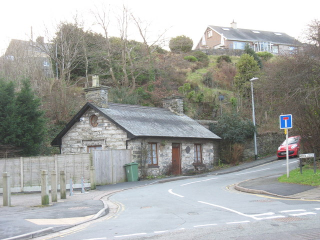 Cottage at the junction of Morfa Lodge and Penamser Road