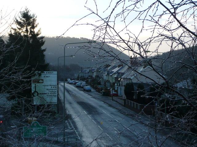 A467 entering Newbridge/Trecelyn