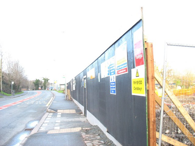 Hoardings around the Aldi construction site