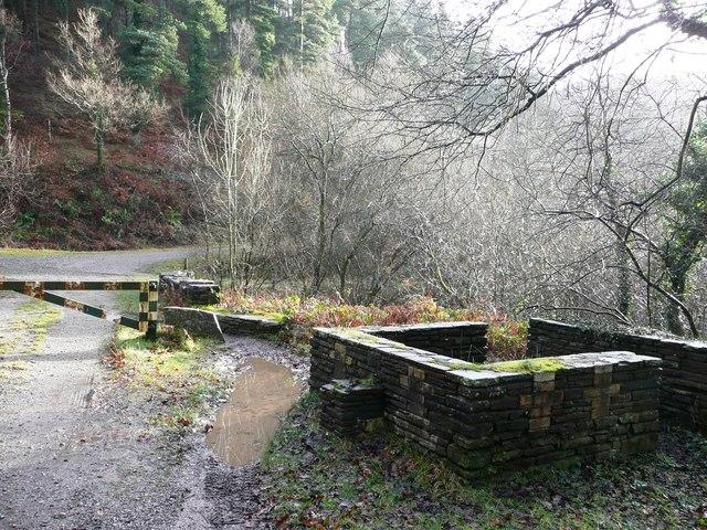 Six-way junction in Cwm Gwyddon