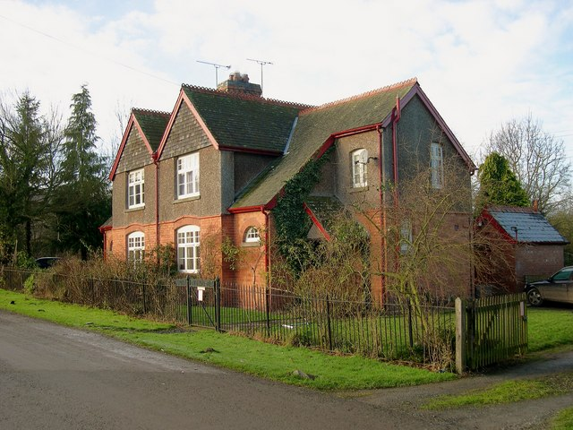 Estate Cottages, Ledgemoor
