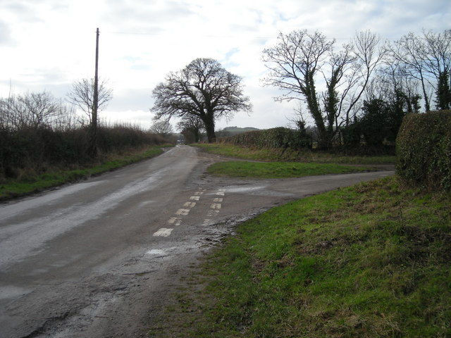 'Long Lane' towards Longden Common.
