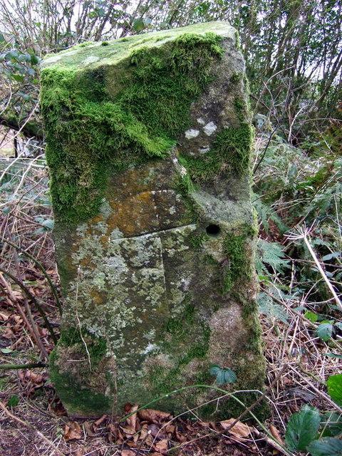 Cross-inscribed stone at Morfil/Morvil