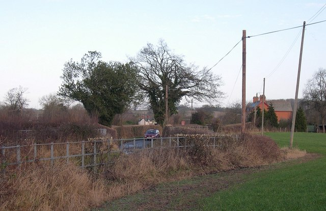 Fences and poles, the Link, Ledgemoor