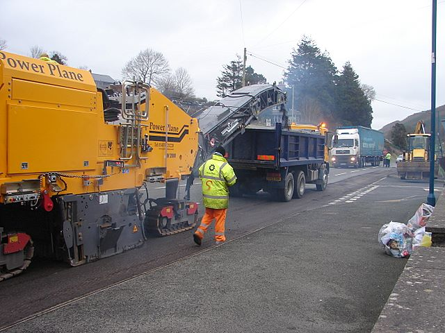 Repairing the A44 (2)
