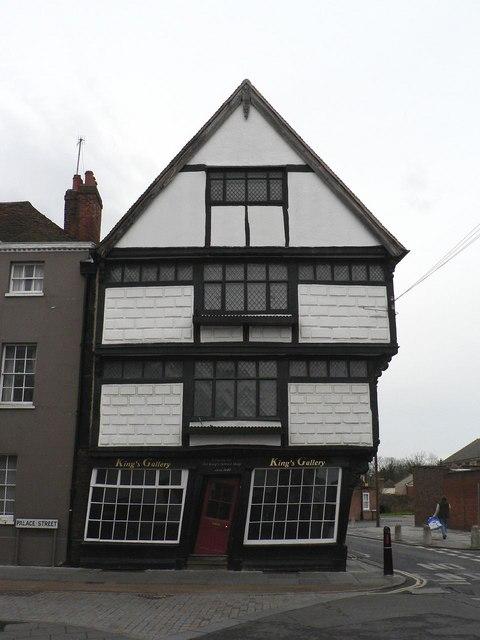 Canterbury: skew-whiff building