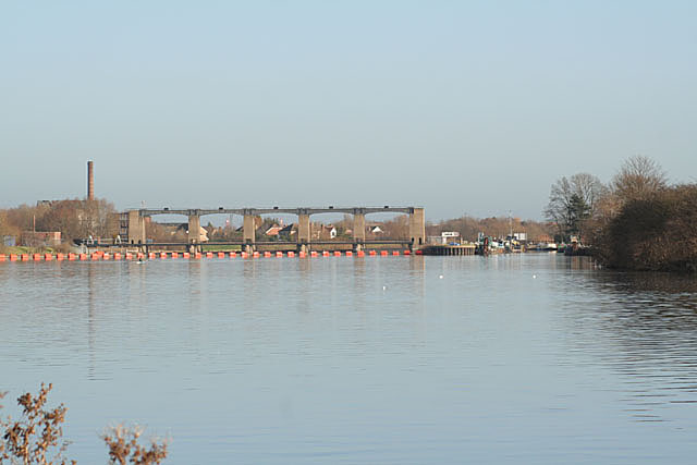 River Trent at Colwick looking towards Holme Sluices and Lock