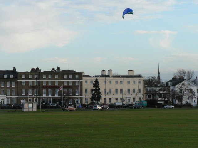 Blackheath: kite over Clarendon Hotel