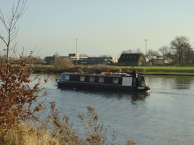 Narrow boat on the River Trent