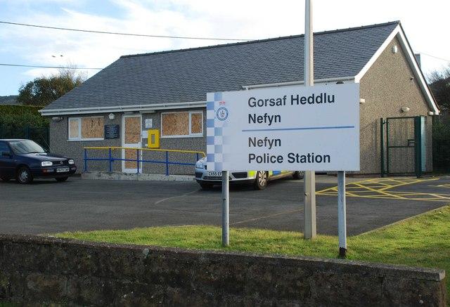 Gorsaf Heddlu wedi'i Fandaleiddio - Police Station Vandalised