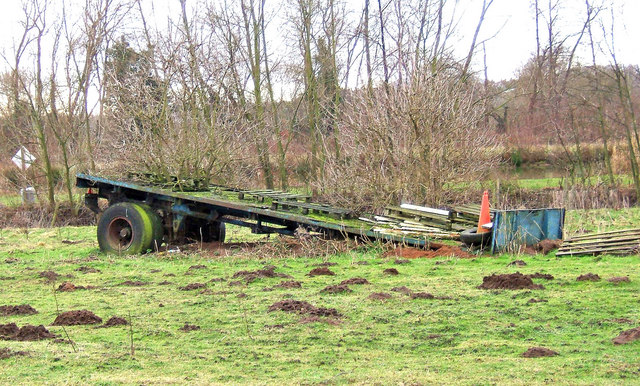 Old trailer in field adjacent to track near Wilden Pool