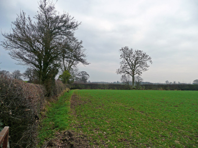 Open fields near Hole Farm