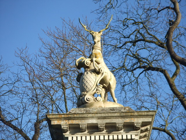 Gates to Wimpole Hall: heraldic stag