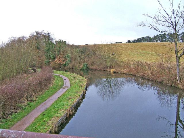 Staffs & Worcs Canal looking SSE from  Bullocks Lane Bridge