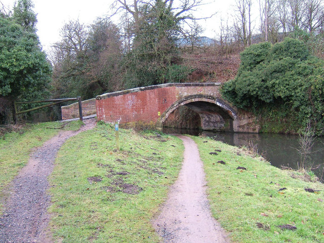 Oldington Bridge (No. 10) looking in direction of Stourport, Staffs & Worcs Canal