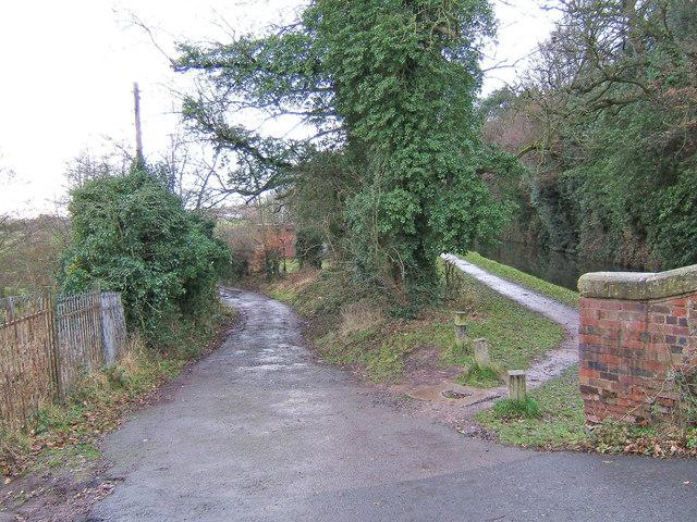 Start of track from Oldington Bridge to Wilden, at Oldington