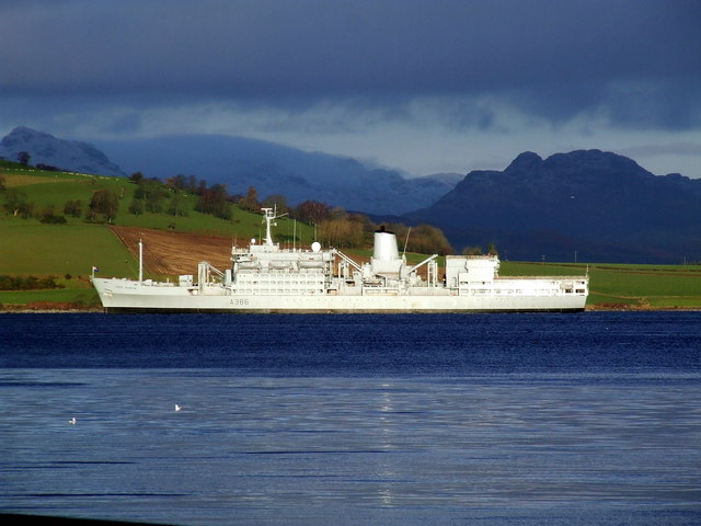 RFA Fort Austin off Rosneath Point