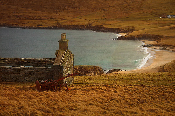 Nor Wick beach, and abandoned croft