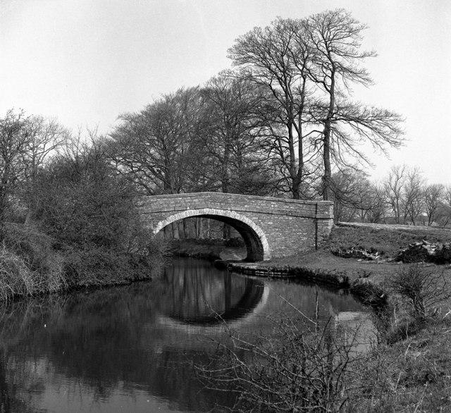 Newton Bridge 164, Leeds and Liverpool Canal