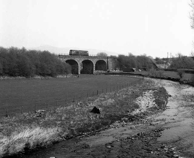 Railway viaduct over the River Aire