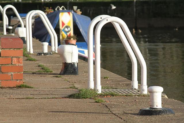 Quayside fittings at Gunthorpe Lock