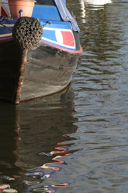 Narrowboat reflection at Gunthorpe lock