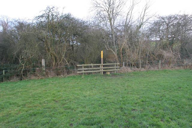 Footpath way-marker near Eastwell