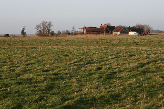 Marshland to rear of Fleet Farm