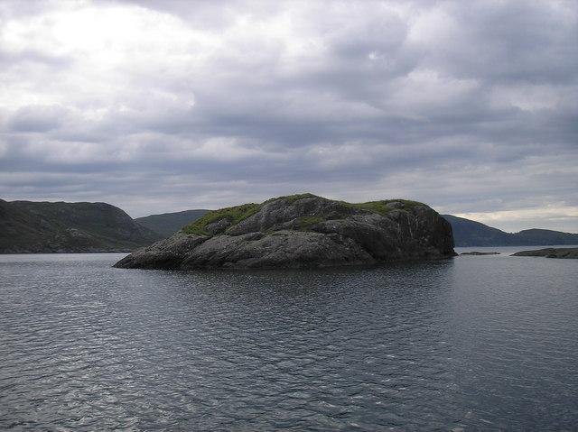 Eilean Reamhar, Loch Scavaig, view  from North