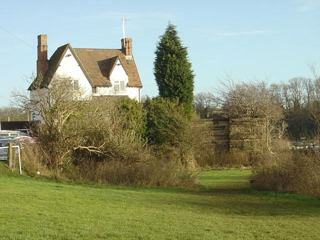 Toll House and bridge abutment, Gunthorpe
