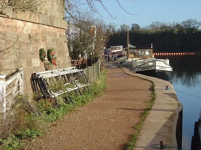 Riverside path at Gunthorpe.
