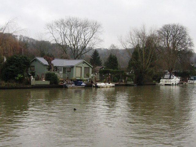 Housing in the river