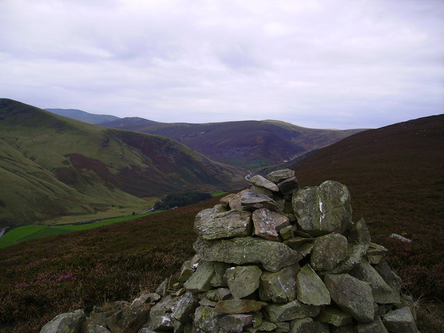Cairn, White Crags