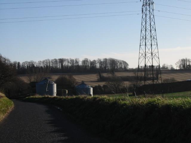View along Long Lane to Haynes Farm