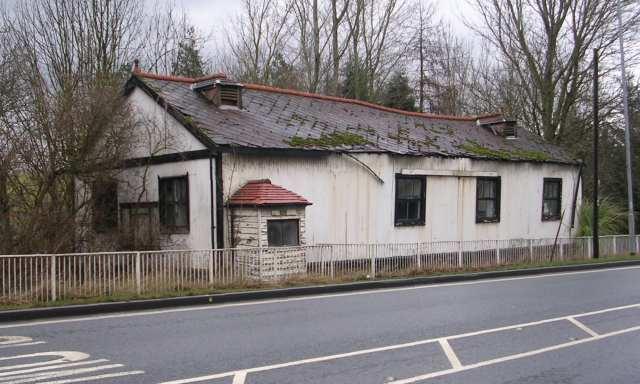 Derelict property - Gelderd Road