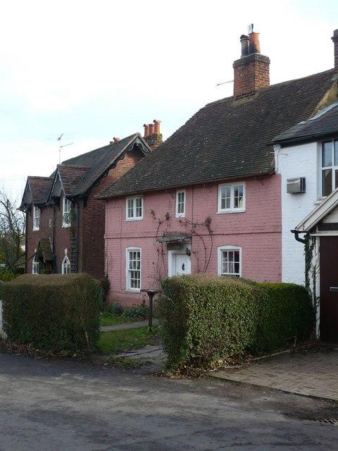 Cottages on Faversham Road, Newnham