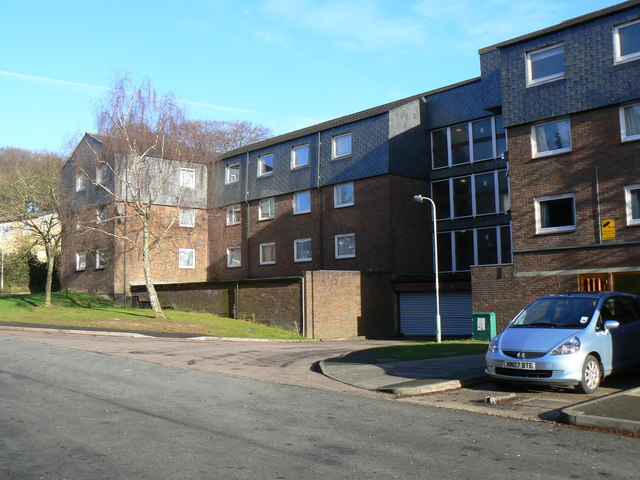 Winklebury Centre flats