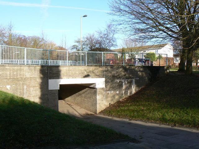 Footpath under Winklebury Way