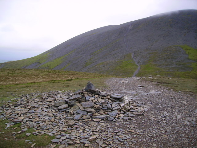 Summit Cairn, Carlside