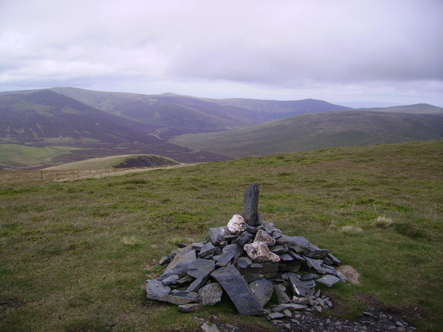 Summit Cairn, Lonscale Fell