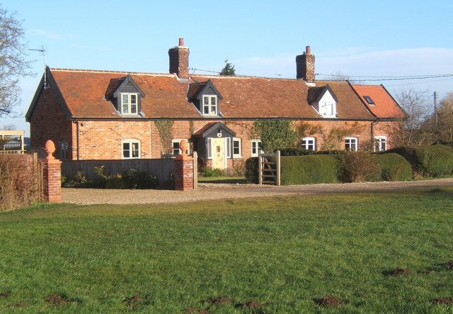 Cottages, Barking Tye