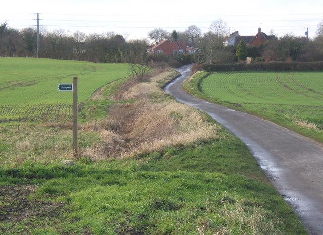 Dead end lane west of Needham Market